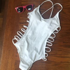 Forever 21 one-piece bathing suit